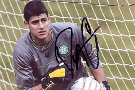 Dominic Cervi, Glasgow Celtic, signed 6x4 inch photo.